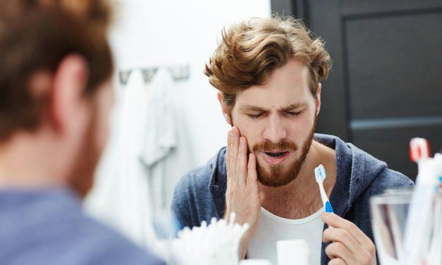 Jak przebiega wszczepienie implantu zębowego?