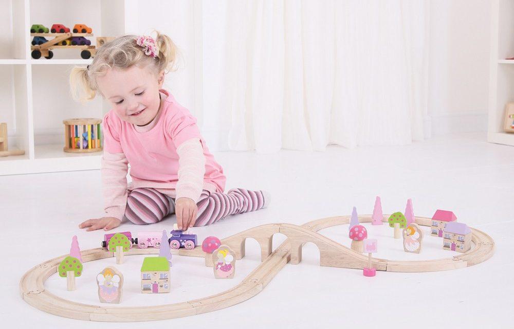 Co musisz wiedzieć o kolejkach drewnianych dla dzieci?