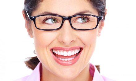 Wybieramy okulary korekcyjne: 5 najmodniejszych modeli