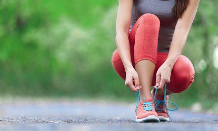 Sztuczne włókna w ubraniach sportowych – zalety i walory