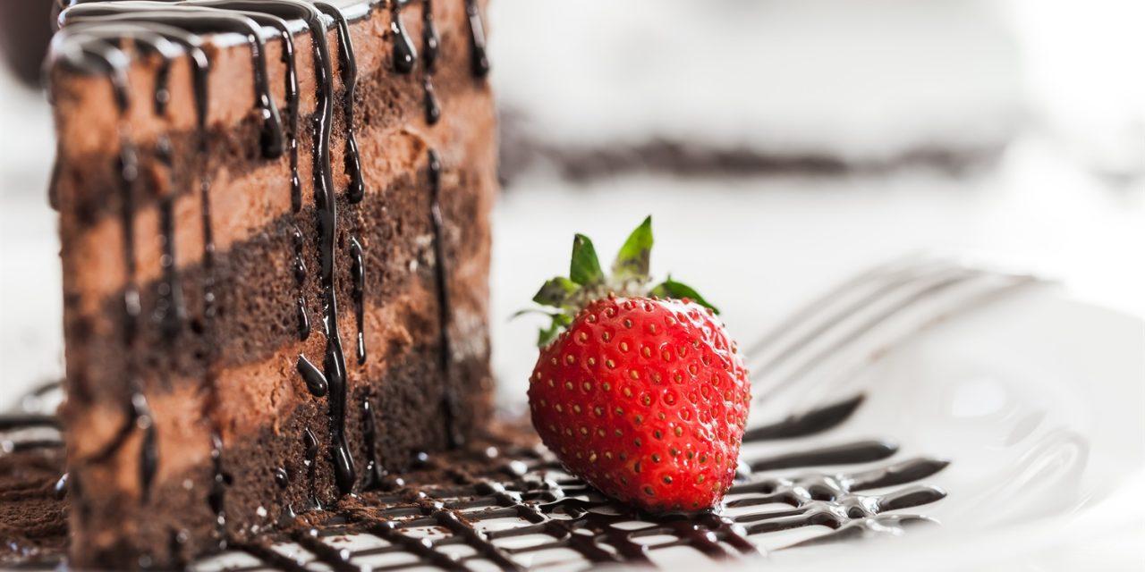 Polewa czekoladowa, której nie może zabraknąć przy noworocznych wypiekach