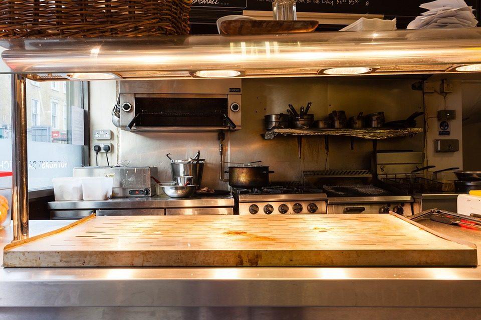 Zmywarki gastronomiczne i ich codzienne zadania