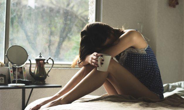 Bolesne miesiączkowanie: jak sobie z nim poradzić?