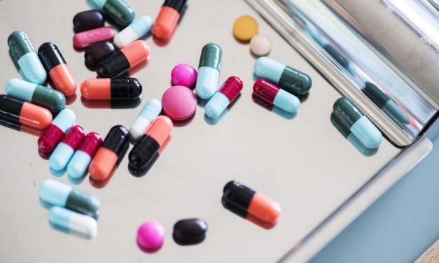 Glukozamina: kiedy warto po nią sięgnąć i czy faktycznie pomaga w utrzymaniu dobrej kondycji stawów?